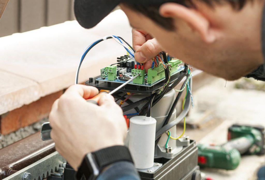 Manutenzione Basculante box elettrica